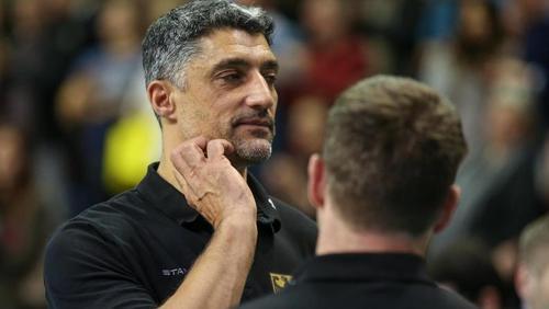 Verpasste mit Deutschlands Volleyballern die Olympia-Qualifikation:Bundestrainer Andrea Giani