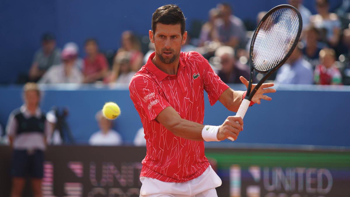 Novak Djokovic hat sich mit dem Coronavirus infiziert