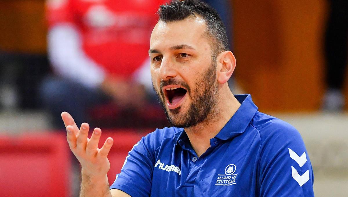 Stuttgart trennt sich von seinem Cheftrainer Athanasopoulos