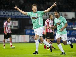 Paul Gladon viert treffer tijdens Sparta Rotterdam - FC Dordrecht. (09-11-2013)