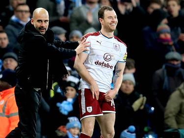 Nach seinem Tor gegen City, hatte schon Guardiola scherzhaft versucht, Barnes aufzuhalten