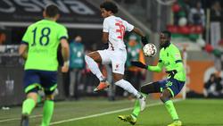 Caiuby (r.) vom FC Augsburg ist wieder aufgetaucht