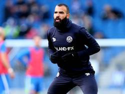 Sandro is bezig aan de warming-up voorafgaand aan het competitieduel Brighton & Hove Albion - Queens Park Rangers (27-12-2016).