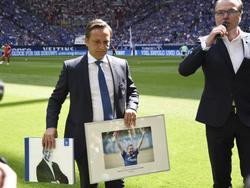 Horst Heldt (li.) wurde Mitte 2016 vom FC Schalke 04 verabschiedet