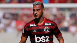 Miguel Trauco steht angeblich vor einem Wechsel zum FC Schalke 04