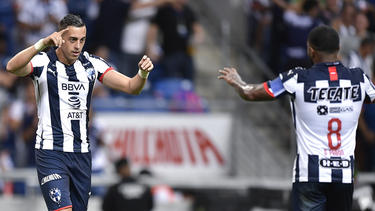 Rogelio Funes Mori celebra el segundo gol del Monterrey.
