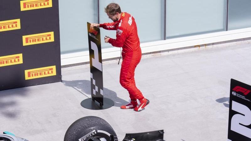 Sebastian Vettel vertauschte in Kanada im Parc Fermé die Nummerntafeln