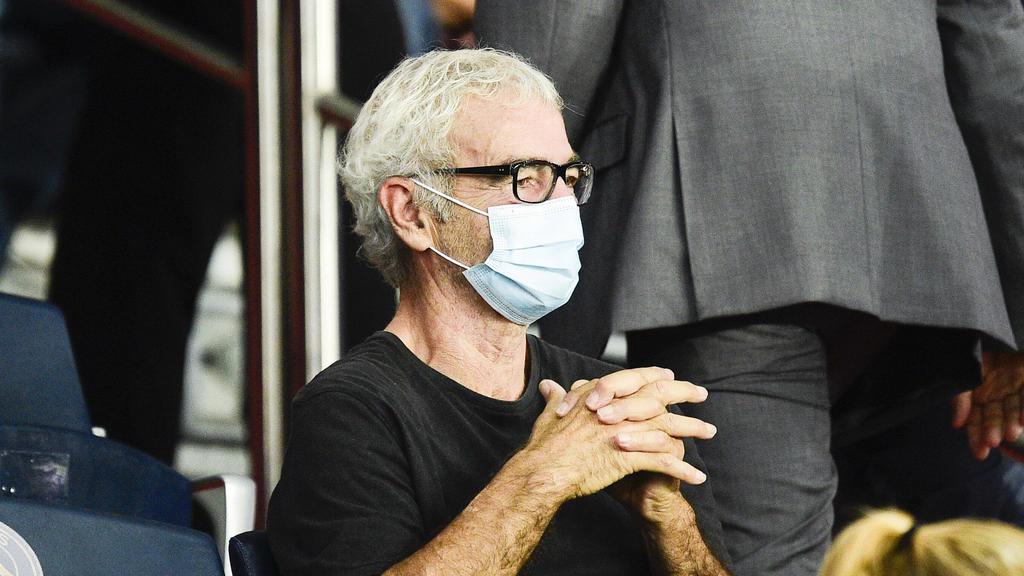 Ligue 1 News Ex France Coach Domenech Gets A Clown S Welcome At Nantes