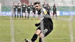 Verwandelte den entscheidenden Elfmeter gegen den FC Bayern: Fin Bartels