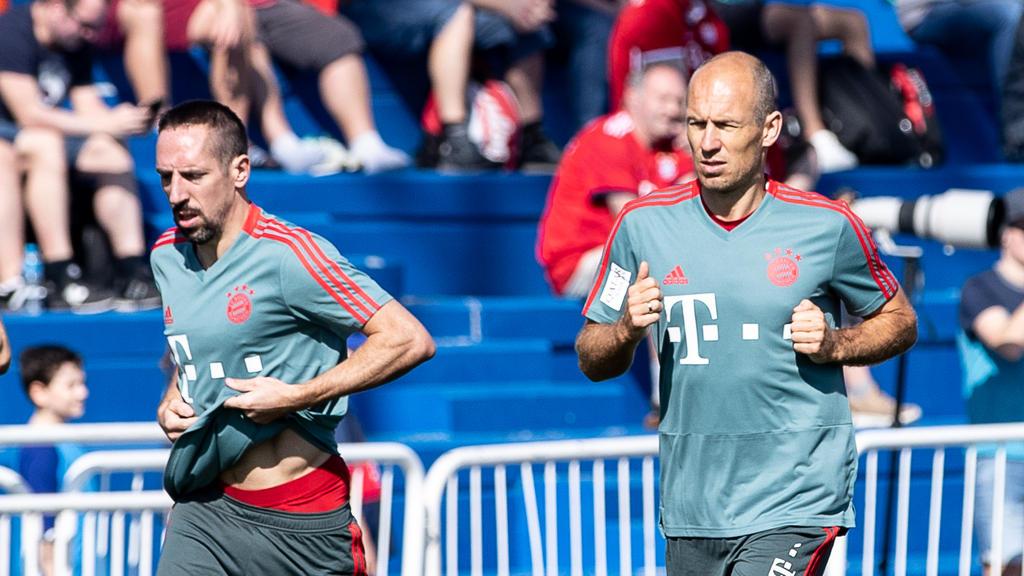 Die Verträge von Franck Ribéry (li.) und Arjen Robben laufen zum Saisonende aus