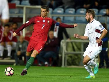 Cristiano Ronaldo ante Letonia. (Foto: Getty)