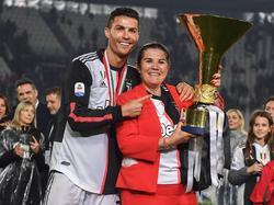 Cristiano Ronaldo y su madre el pasado año.