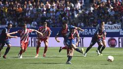 Melero marcó de penalti el empate para el Huesca. (Foto: Getty)