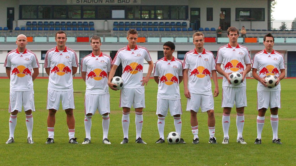 Lerchl (4. v. l.) spielte unter anderem für Leipzig und Cottbus