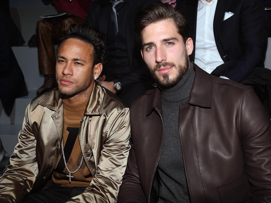 Neymar (li.) feierte seinen Geburtstag mit 150 Gästen