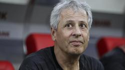 BVB-Coach Lucien Favre steht der Presse Rede und Antwort
