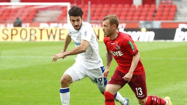 Vasilios Pavlidis (l.) debütierte am letzten Spieltag der vergangenen Saison für den FC Schalke 04 in der Bundesliga