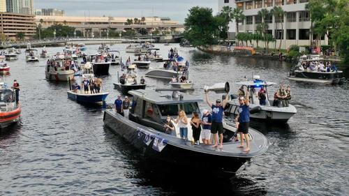 So oder so ähnlich wollen die Tampa Bay Buccaneers ihren Super-Bowl-Sieg feiern