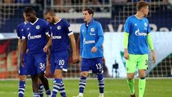 Der FC Schalke um Neuzugang Sebastian Rudy (M.) hat noch keinen Punkt auf dem Konto
