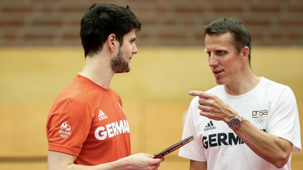 Jörg Roßkopf (r.) bemängelt die deutsche Tischtennis-Förderung