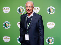 Franz Beckenbauer will Bernard Dietz als Ehrenspielführer