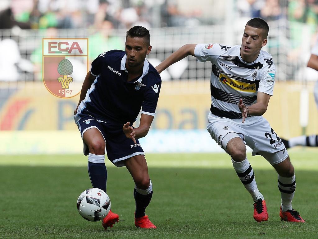 Moritz Leitner (l.) verstärkt den FC Augsburg