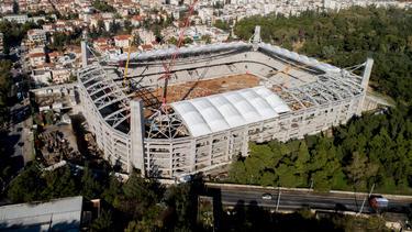 Der Fan wollte sich die Baustelle des Stadions von AEK Athen angucken