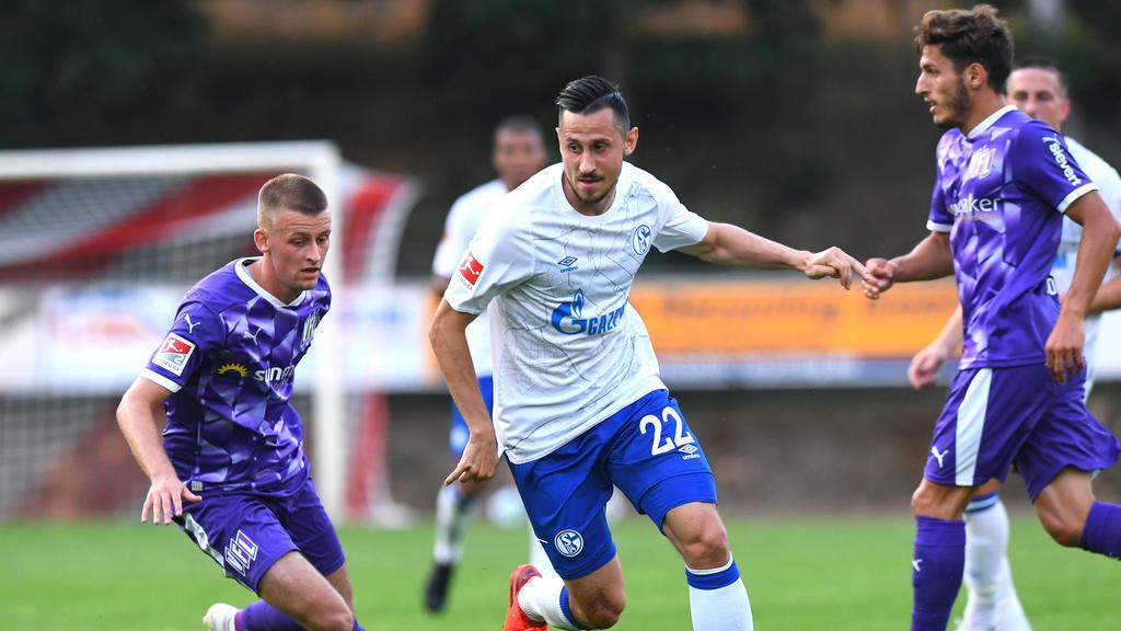 Steven Skrzybski hat beim FC Schalke 04 noch einen Vertrag bis 2021.