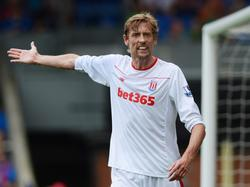Peter Crouch is ontevreden tijdens het competitieduel Crystal Palace - Stoke City (07-05-2016).