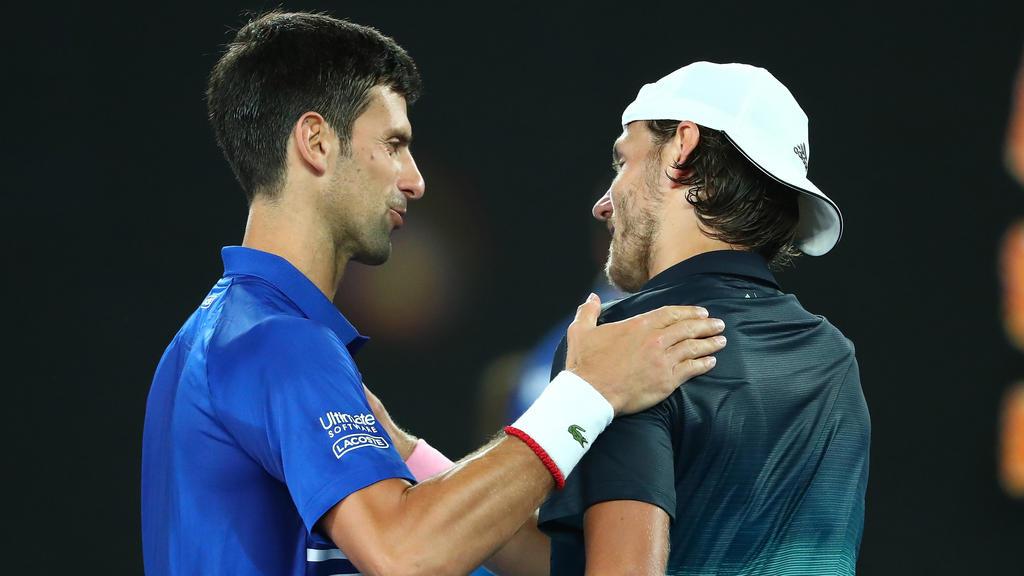 Djokovic (li.) ließ Pouille bei den Australian Open keine Chance
