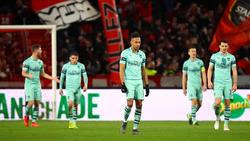 Pierre-Emerick Aubameyang (m.) und der FC Arsenal verlieren in Rennes