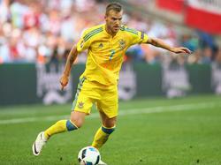 Andriy Yarmolenko con la camiseta de la selección ucraniana. (Foto: Getty)