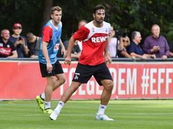 Claudio Pizarro (r.) ist Hoffnungsträger des 1. FC Köln