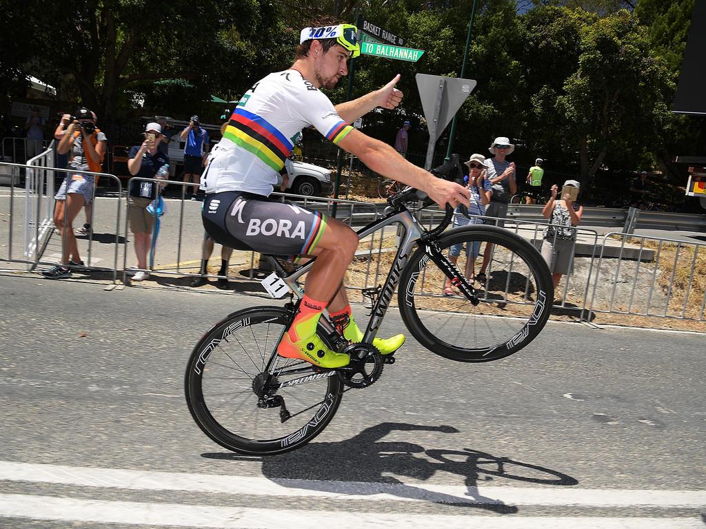 attraktive Mode beste Seite Shop für neueste Weltmeister Sagan überreicht dem Papst ein Rad