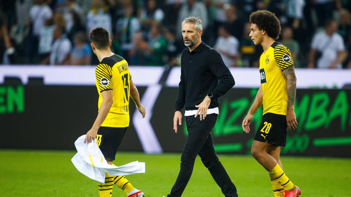 Marco Rose (M.) und der BVB hatten in Gladbach wenig Grund zur Freude