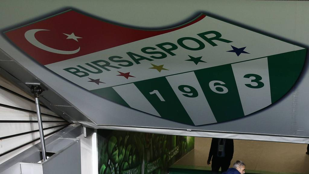 Der türkische Klub Bursaspor ist nicht glücklich über den Wechsel von Ali Akman zu Eintracht Frankfurt