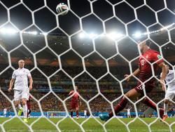 Costa klärt auf der Linie