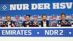 Am Dienstag präsentierte der Hamburger SV mit Hannes Wolf (r.) einen neuen Cheftrainer