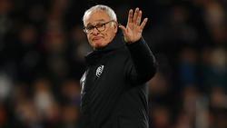 Ranieri saluda a la afición del Leicester en Craven Cottage. (Foto: Getty)