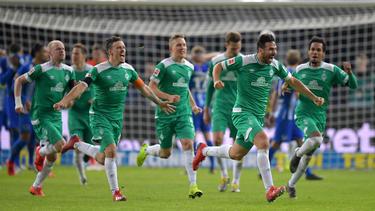 Später Jubel bei Claudio Pizarro und Werder Bremen