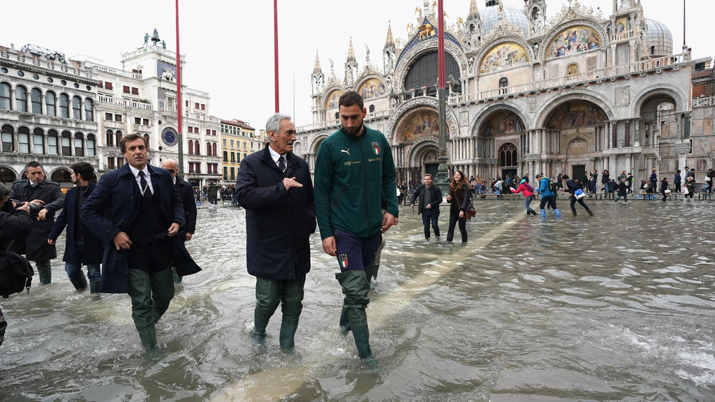 Milan Ac Calendrier.Qualif Euro Acutalites Mancini S Italy Visit Wounded
