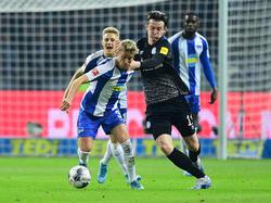 Gegen die Hertha hatten Michael Gregoritsch (r.) und Co. viel zu kämpfen