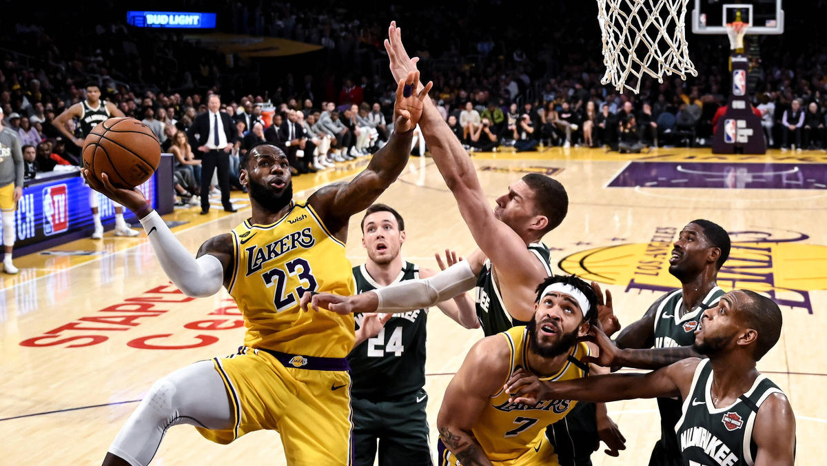 Wann darf Superstar LeBron James wieder an den Korb?