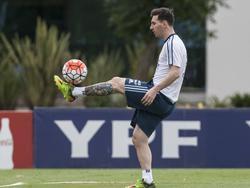 Messi en la concentración de Argentina en Ezeiza. (Foto: Imago)