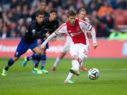 Lasse Schøne was met een hattrick de man van de wedstrijd tijdens Ajax - sc Heerenveen. Twee van zijn drie doelpunten kwamen vanaf de strafschopstip. (16-2-2014)