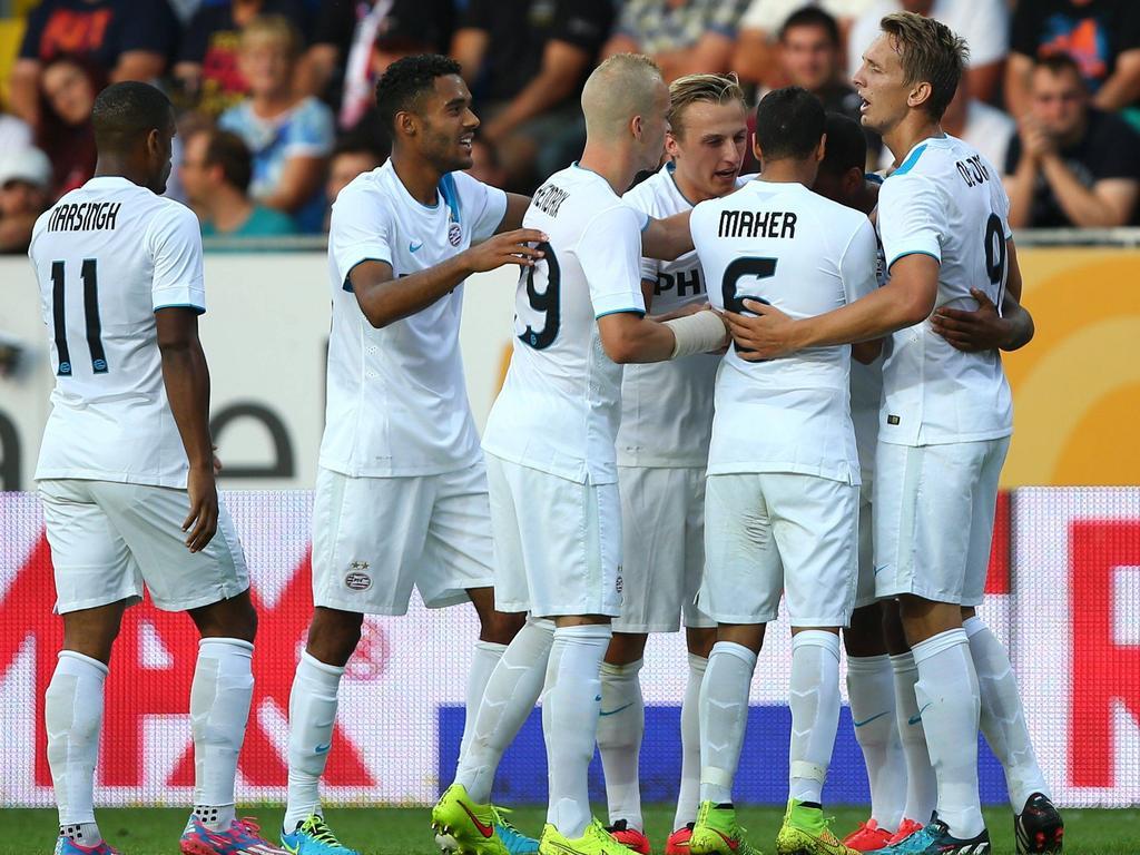 PSV Eindhoven viert de 1-0 van Jürgen Locadia tijdens SKN St. Pölten - PSV Eindhoven. (7-8-2014)