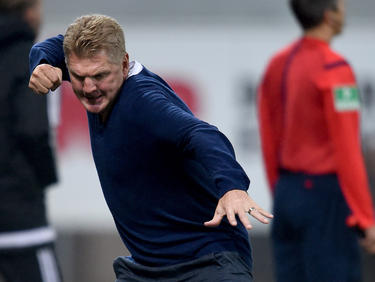 Stefan Effenberg celebra 'su' primer gol de entrenador profesional. (Foto: Getty)