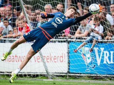 Kamil Miazek in actie tijdens een training van Feyenoord. (14-08-2015)