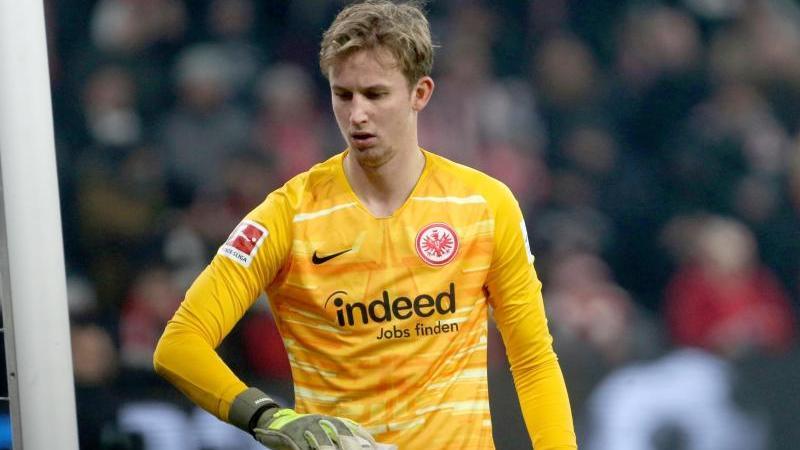 Frankfurts Torhüter Frederik Rönnow hatte sich im Dezember einen Sehneneinriss am rechten Oberschenkel zugezogen