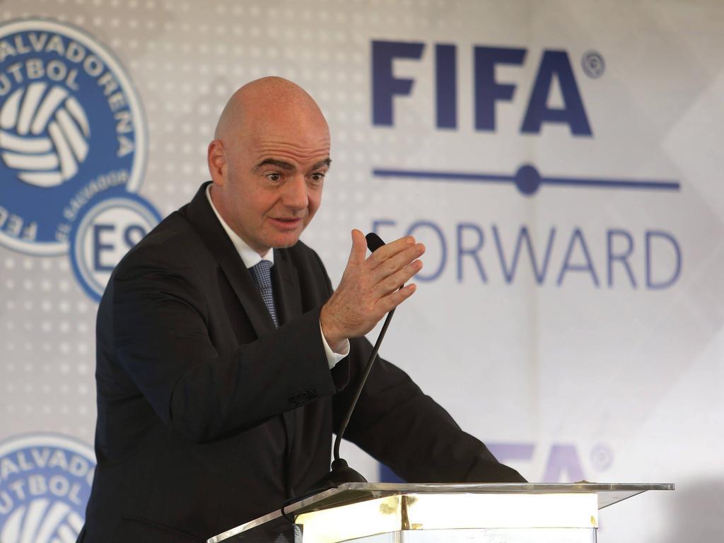 """国际足联使用""""足球的力量""""作战冠状病毒"""